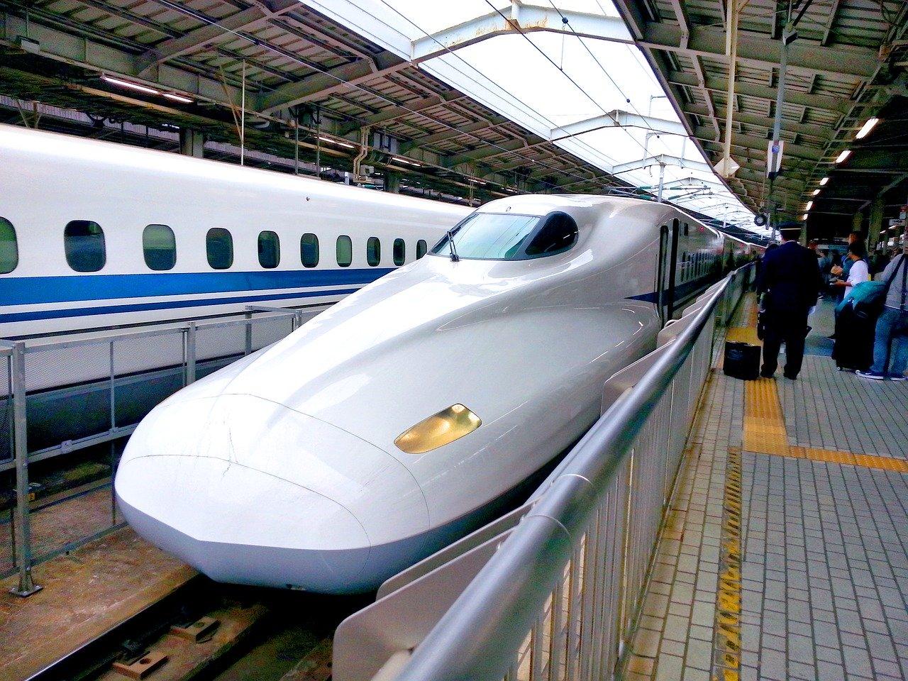 Prendre le train au Japon et découvrir le pays